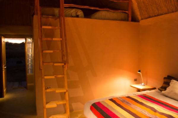 http://planetaatacama.com/wp-content/uploads/2014/02/habitacion-21-600x400.jpg